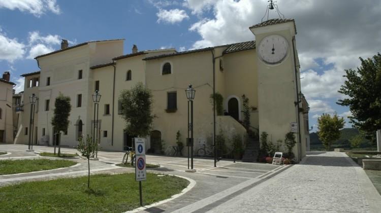 Attigliano, piazza della Rocca