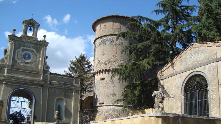 Castello di madonna atonia a castel viscardo umbriaturismo for Piccoli piani casa castello