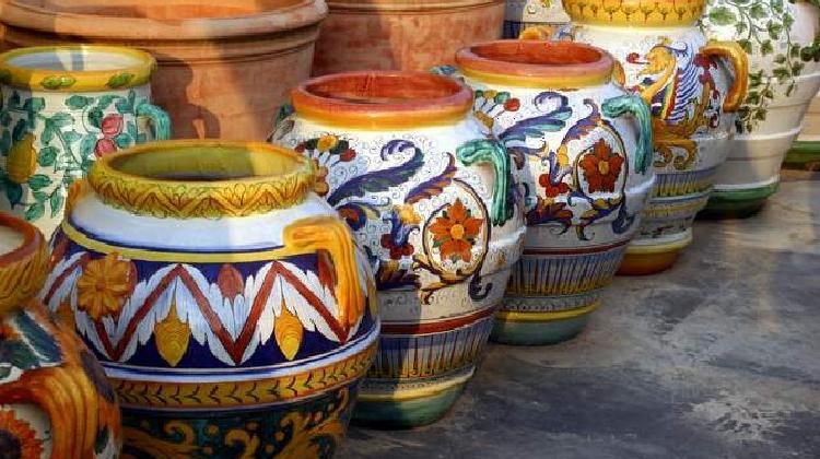 Museo Della Ceramica Di Deruta.Deruta La Lavorazione Della Ceramica Umbra Umbriaturismo