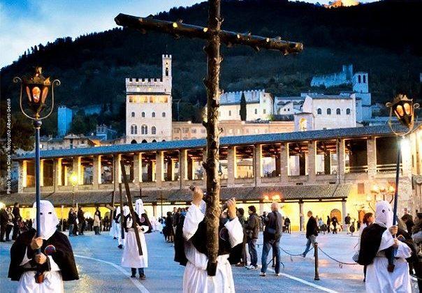 processione-del-cristo-morto-gubbio-2019